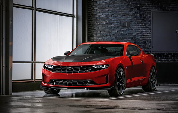 Chevrolet introduces bold 2019 Camaro [press release]